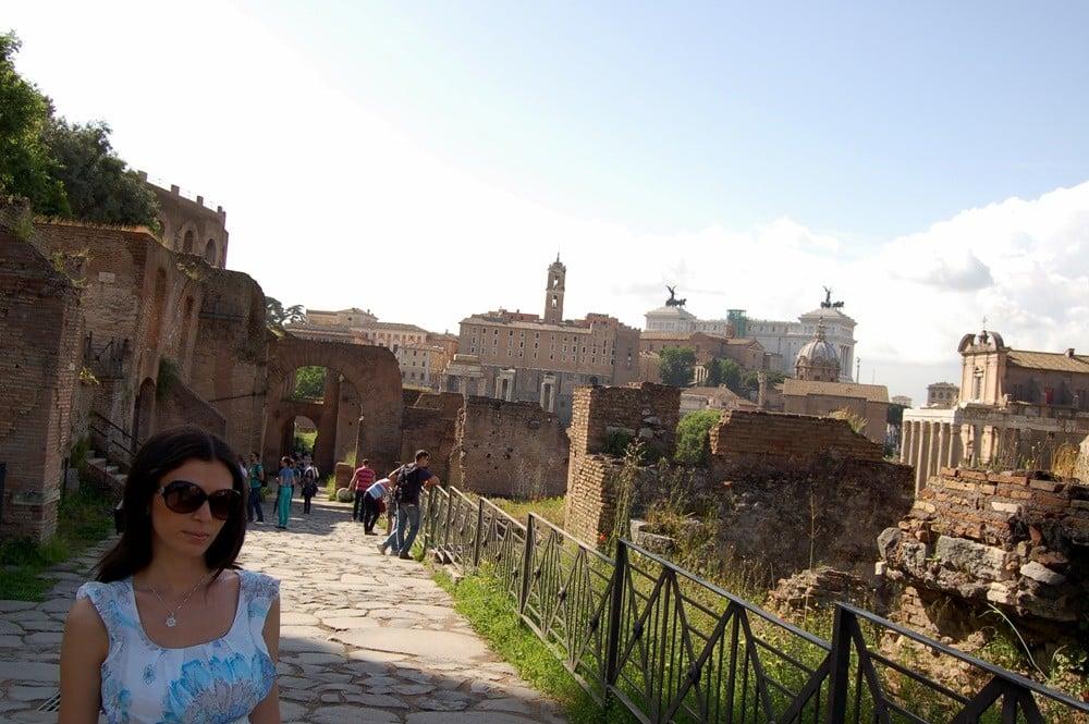 Antik Roma'nın merkezi Foro Romano (Roman Forumu)