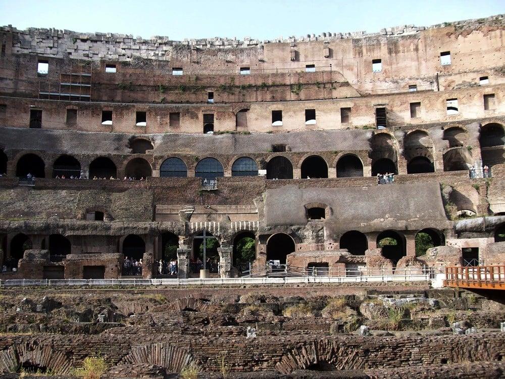 Colosseum'a içeriden bakış..