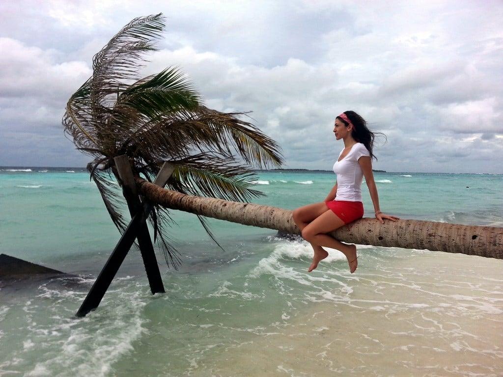 Egzotik adalardan oluşan Maldivler, popüler bir balayı destinasyonu.