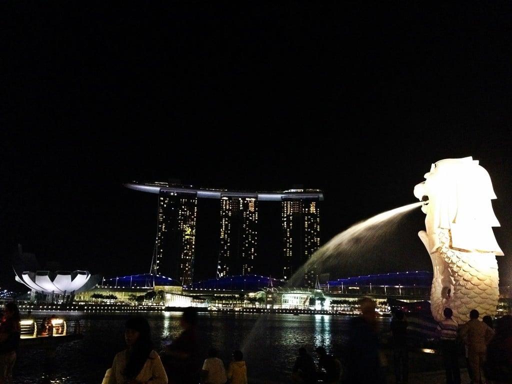 singapur merlion meydanı