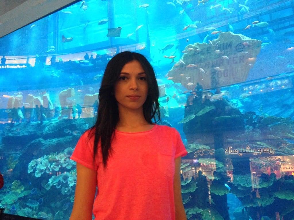 Dubai akvaryumuna girmesem de önünde resim çekilmeden olmaz.