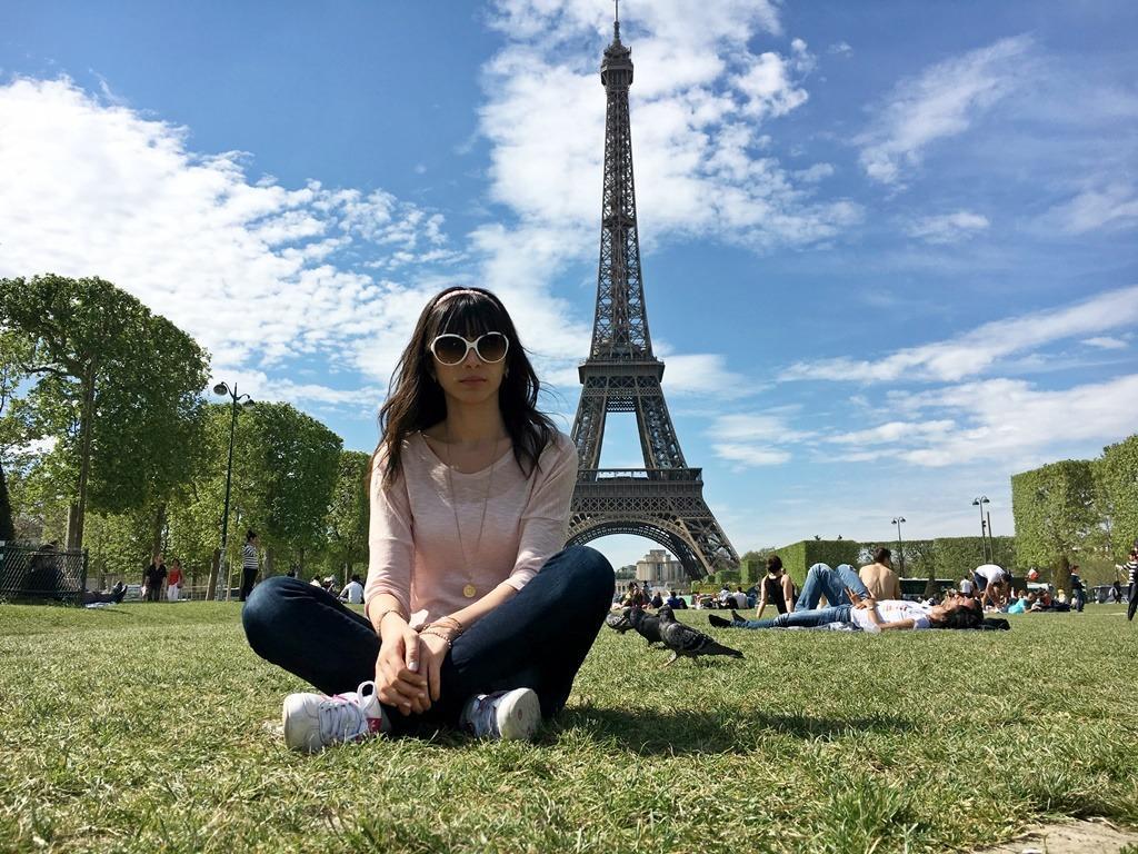 Paris'te güneşli bir gün..