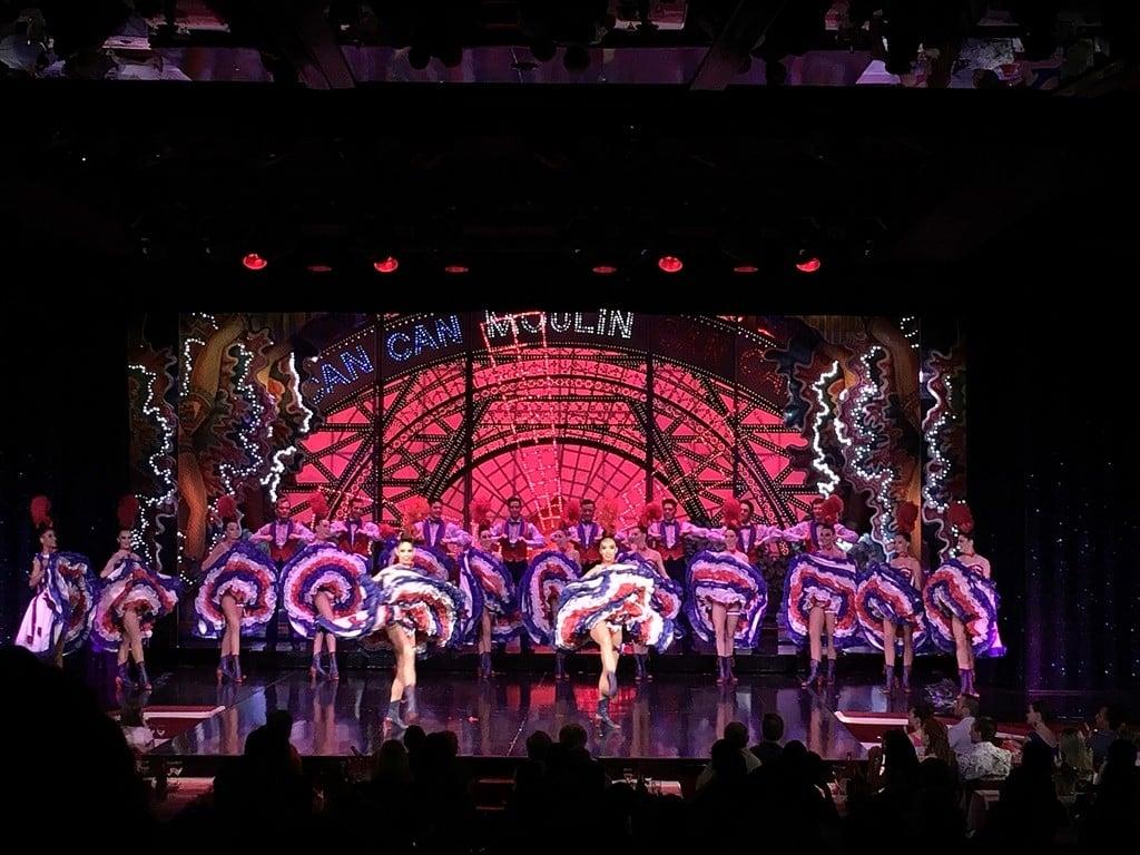 Kabare şovunun en meşhur kısmı French cancan dance..