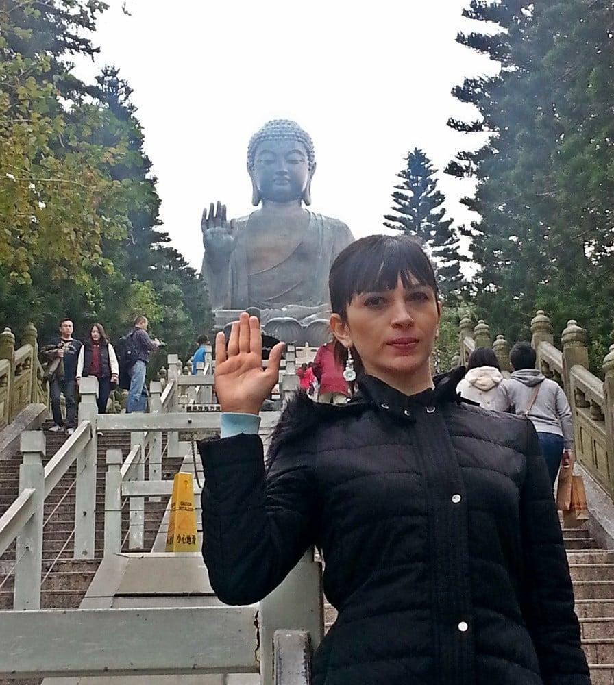 hong kong oturan buda heykeli