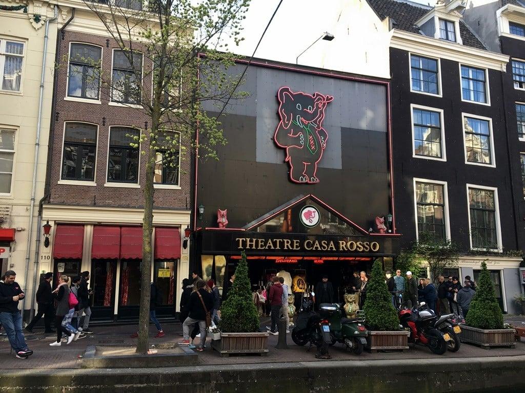 Amsterdam canlı seks tiyatrosu Casa Rosso