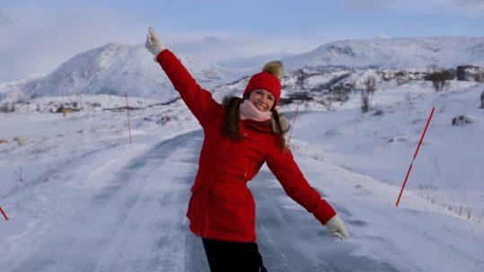 Almanya Kışlık Mont Alışverişi: Hastalanmamak İçin Nasıl Giyinmeliyiz?