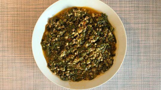 Kıymalı Bulgurlu Ispanak Yemeği Tarifi: Kıymalı Ispanak Nasıl Yapılır?