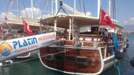 Mürettebatlı Tekne Kiralama